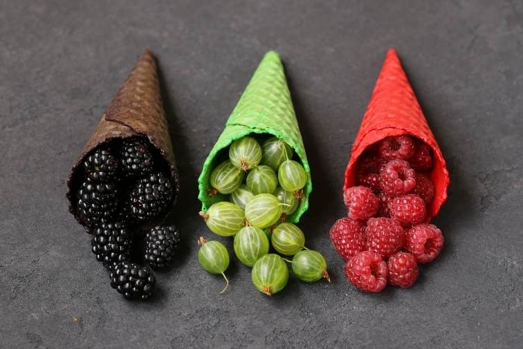 Colouring foods fruit